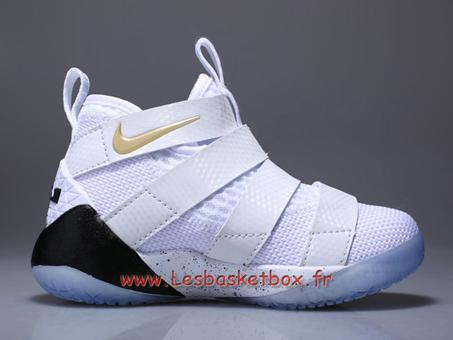 chaussure de basket enfant