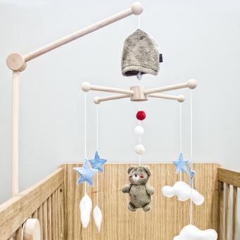mobile en bois bébé